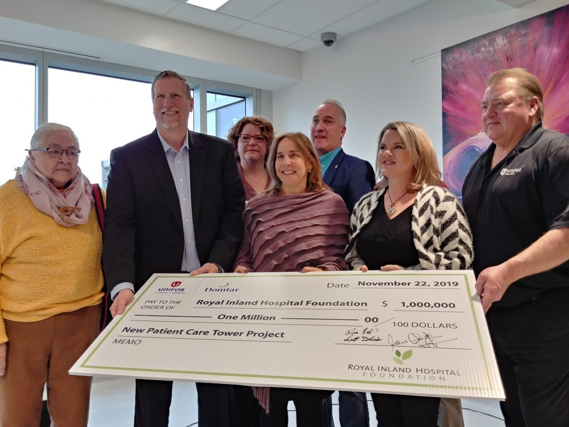 Unifor and Domtar's cheque presentation to RIH Foundation